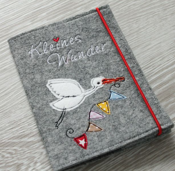 Mutterpasshüllen - ★Mutterpass-Hülle aus Filz★ - ein Designerstück von mitherzundnadel bei DaWanda