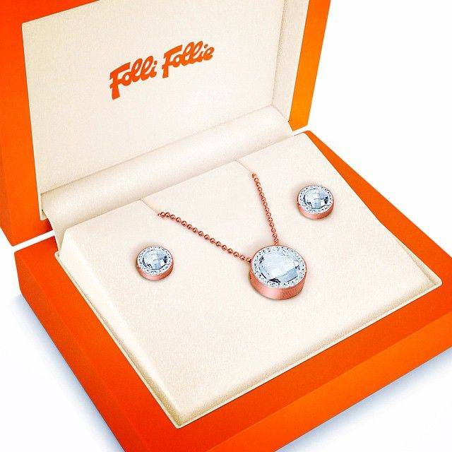 Treat your loved one to luxury jewellery from @follifollie in #RegentStreet this #Christmas. Whether they are a #Trendsetter in the fashion world or deserve something special, these gift sets are exactly what you are looking for, from £95.