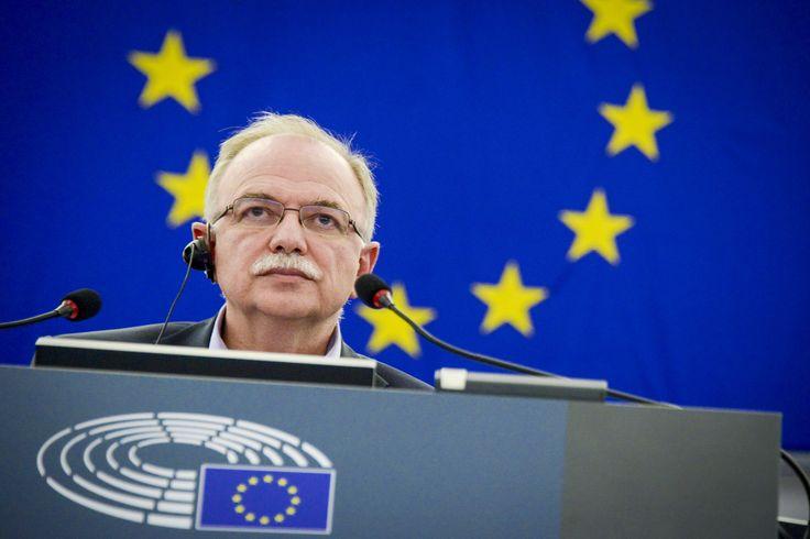 Συνέντευξη στην εφημερίδα «Νέα Σελίδα» παραχώρησε ο Αντιπρόεδρος του Ευρωπαϊκού Κοινοβουλίου και επικεφαλής της αντιπροσωπείας του ΣΥΡΙΖΑ, Δημήτρης Παπαδημούλης, μιλώντας για την προοδευτική ατζέντ…