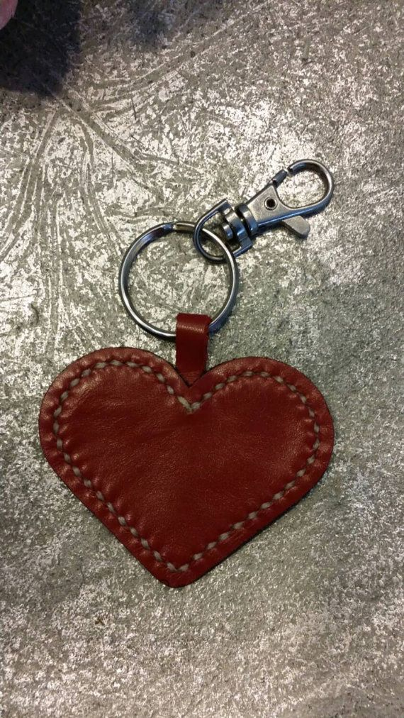Check out this item in my Etsy shop https://www.etsy.com/nl/listing/220436482/leather-keychain-star