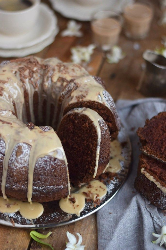 Baileys Schoko oder Eierlikör Schoko Gugelhupf Kuchen - Baileys Chocolate Bundt Cake (13)