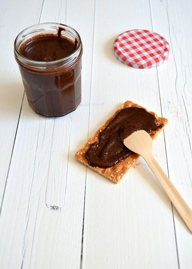 DIY Nutella - Zelf hazelnootpasta maken - uitpaulineskeuken.nl
