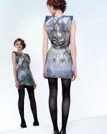 Robe courte imprimée tons gris portée par Karine Ferry #TheVoice
