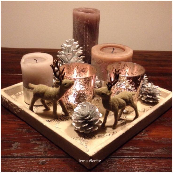 Kaarsen en schaal PTMD met leuke dennenappeltjes en hertjes. Sfeermaker voor kerst.