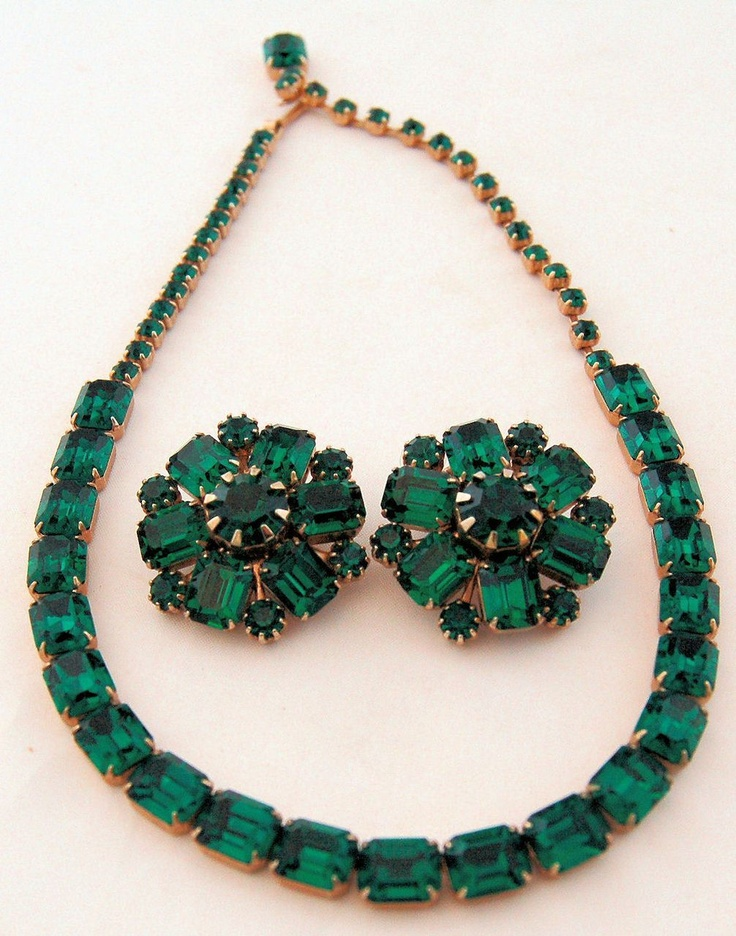 39 best emerald green weddings images on pinterest