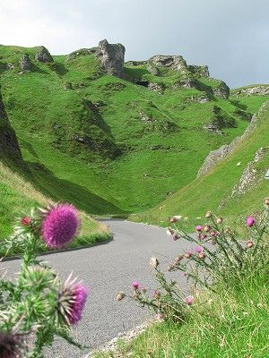 Winnats Pass - Peak District, England