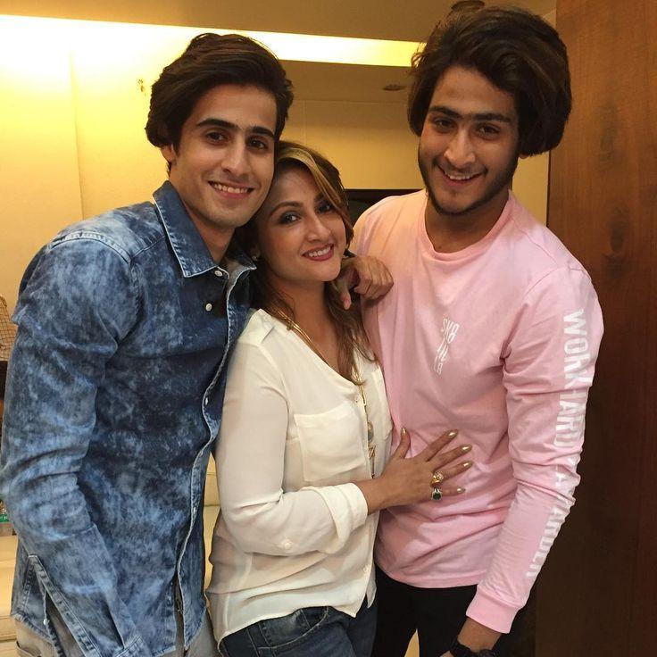 Urvashi Dholakia's twin sons turn 22 : Tv Talks