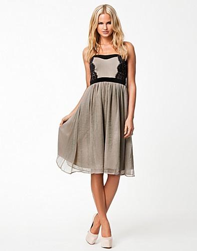 Ballerina Corsage Dress - Selected Femme - Stone - Festklänningar - Kläder - NELLY.COM