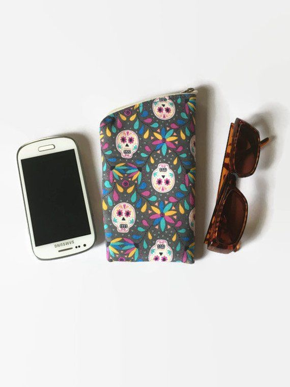 Day Of The Dead Candy//Skull Silver Mobile Phone//Bag//Zip Charm Gothic Gift