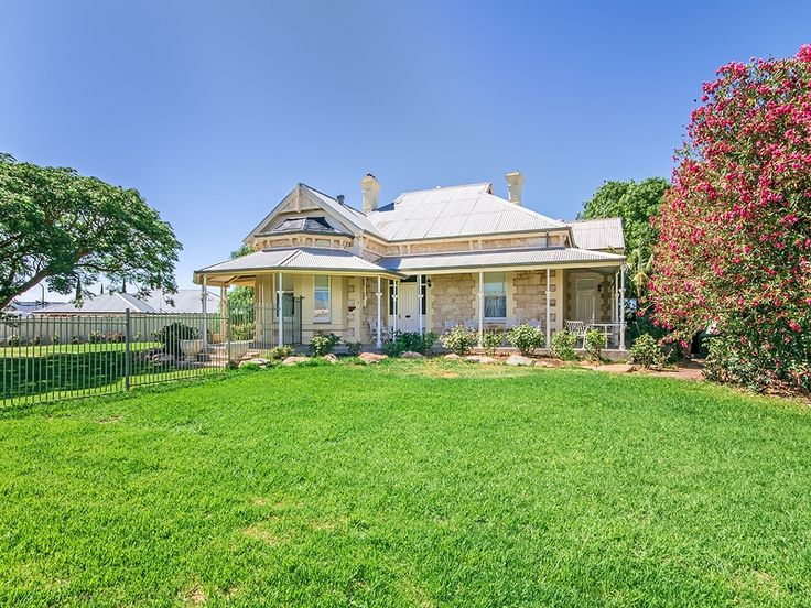 #Heritage #Home in Aldinga Beach. Call Professionals Christies Beach, real estate agency - 08 8382 3773. #Realestate #RealEstateSouthAustralia #FarmHouse #AldingaBeach #Heritage
