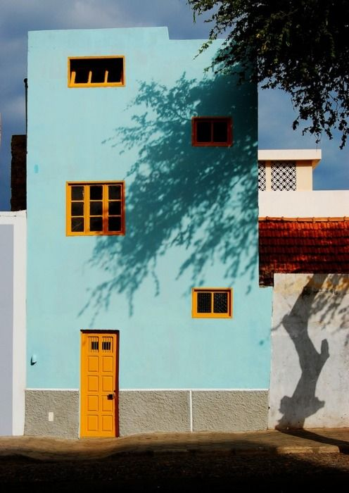 travelingcolors:    MINDELO HOUSE, São Vicente, Barlavento | Cape Verde (TrekEarth | via evysinspirations)