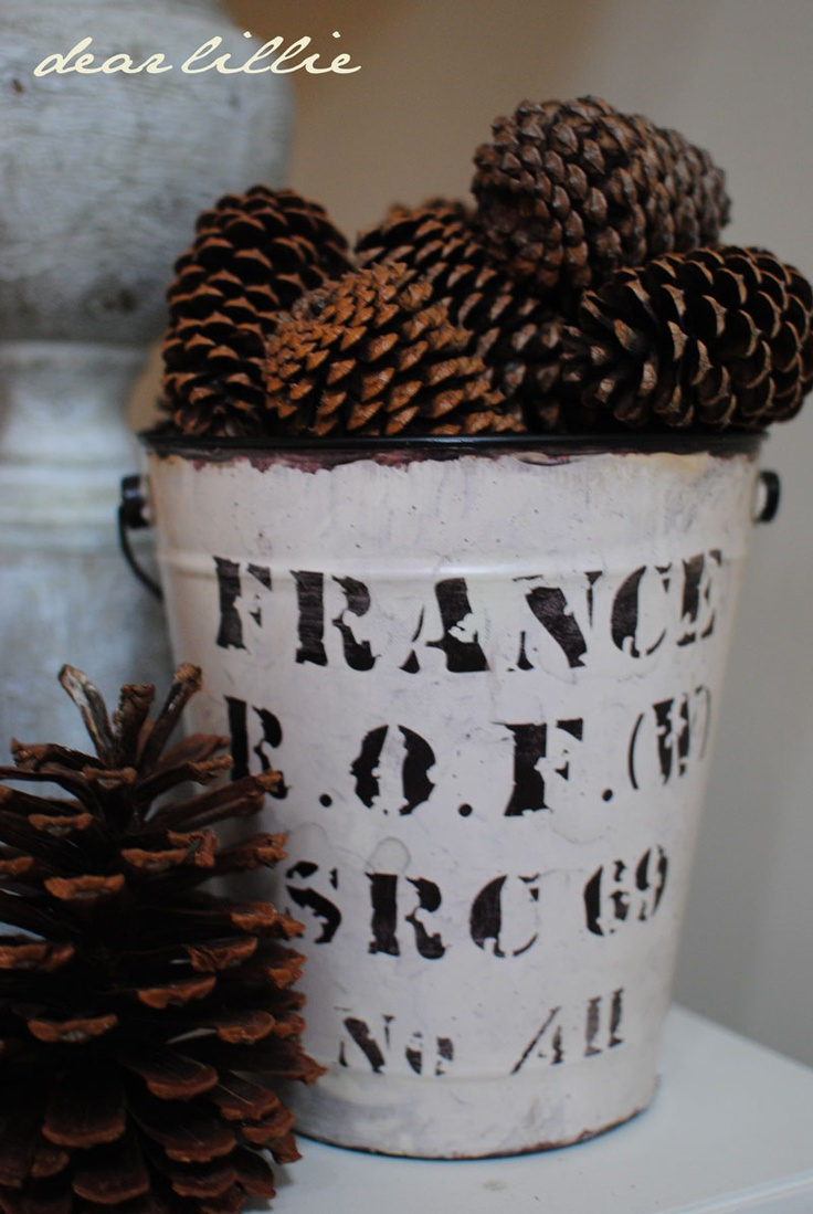 Pinecone Love: Pinecone, Design School, Decor Ideas, Living Rooms, Christmas Style, French Buckets, Autumn Living, Pine Cones, Dear Lilly