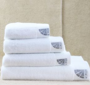 China Hotel Supplies High Quality 100% Cotton Wholesale Prompt Goods Bright White 5 Star Hotel Pool Towels With Nice Dobby