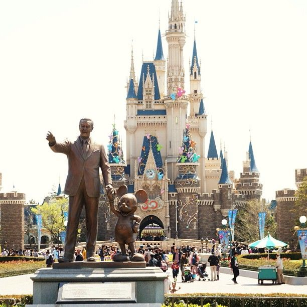 tokyo disneyland some basic facts Since we now have a disneyland tab on the site, i decided it might be fun to share some random facts about walt's original happy place i have to confess, i had to do some research when it comes to disneyland, because i personally have never been there.
