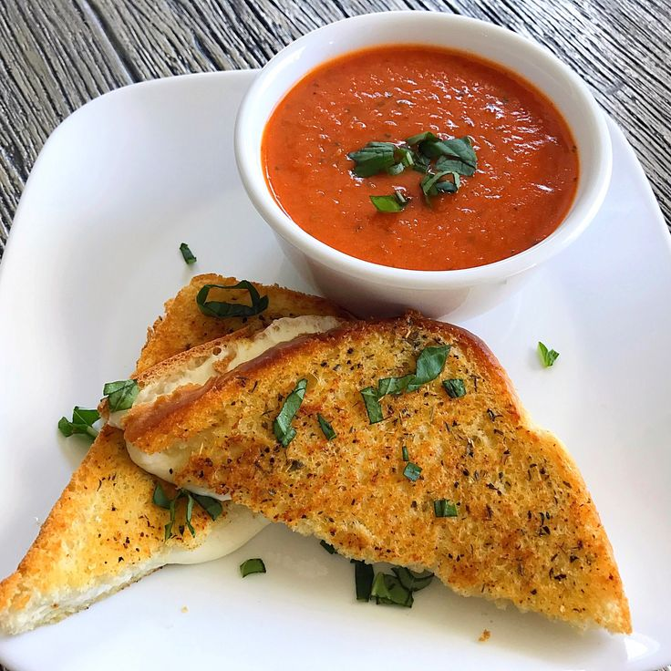 MM: Mozzarella Grilled Cheese