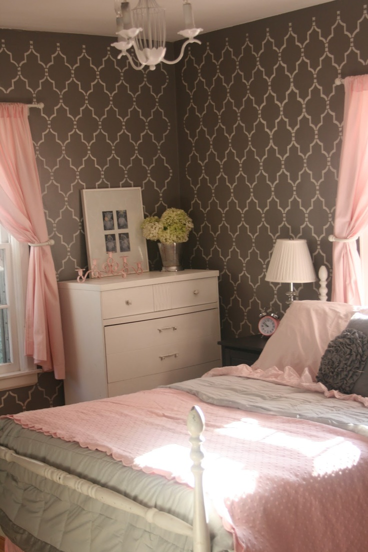 HouseTalkN: A Country Living Inspired Bedroom Makeover