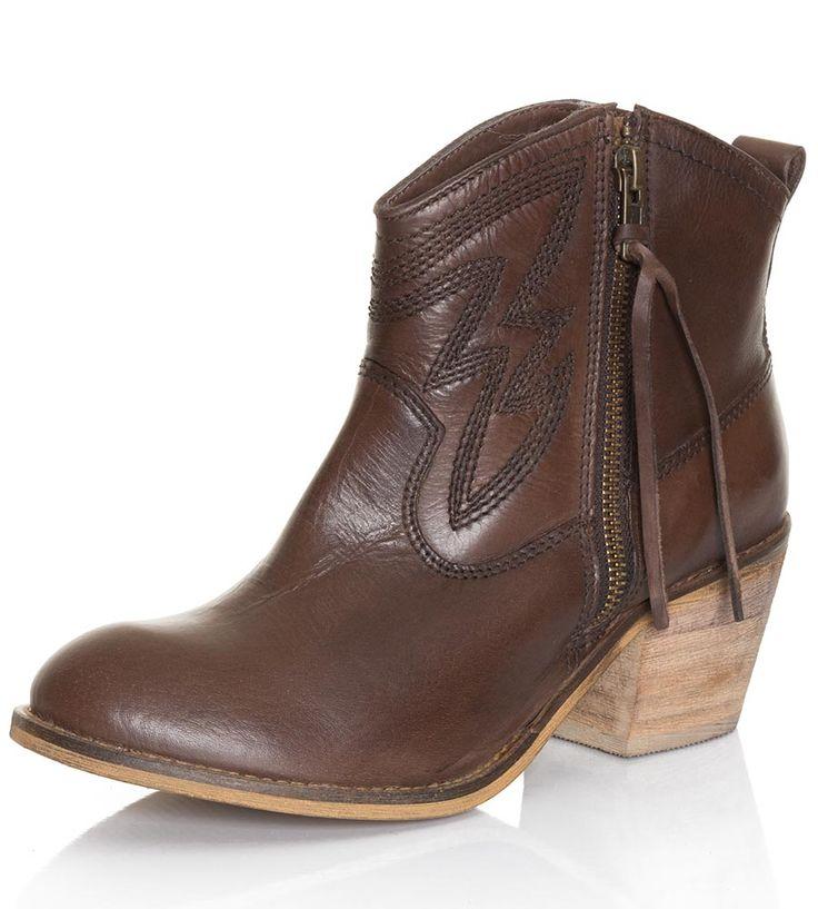1000  ideas about Ankle Cowboy Boots on Pinterest | Fringe cowboy ...