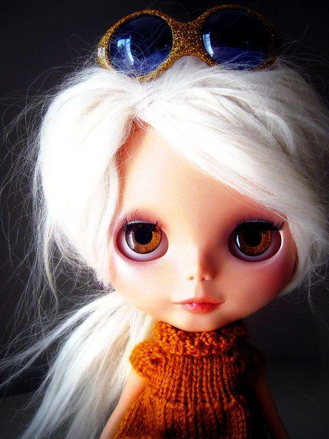 blythe doll.: California Dreamin, Platinum Blondes, White Hairs, Lips, Blythe Obsess, Blondes Blythe Dolls, Dolls Muñeca, Golden Tint, Blytheobsess