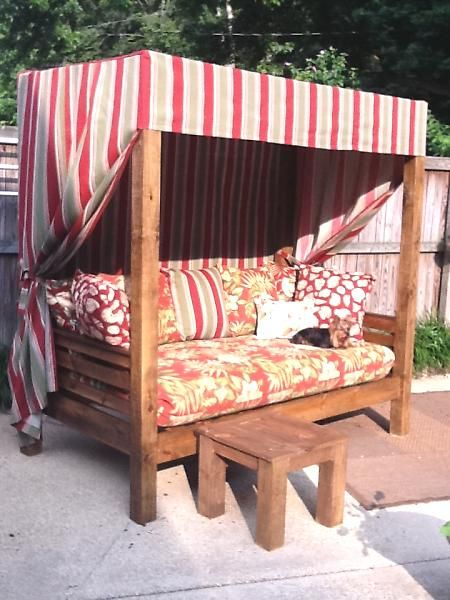 DIY Outdoor daybed - I would love to make something like this and just sleep outside :)
