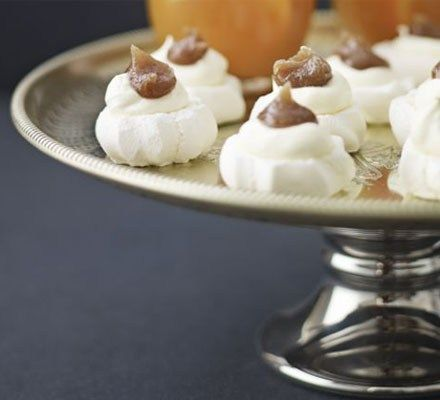Feast your eyes on these mini food delights and serve your wedding guests some tasty treats
