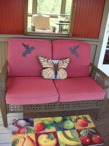 "DIY painted and stenciled outdoor cushions using ""Simply Spray Fabric Paint"".Cheap way to freshen and brighten up old, dirty, dull cushions."