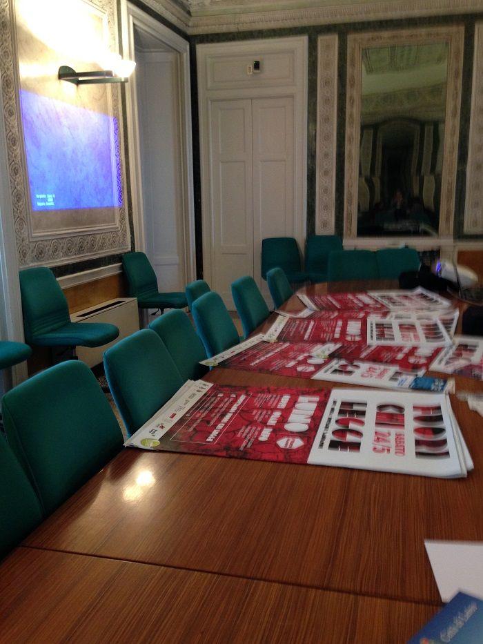 Le locandine di #FuoriChiLegge - #LUINO 24.05.2014 ( conferenza stampa in Provincia a #Varese )