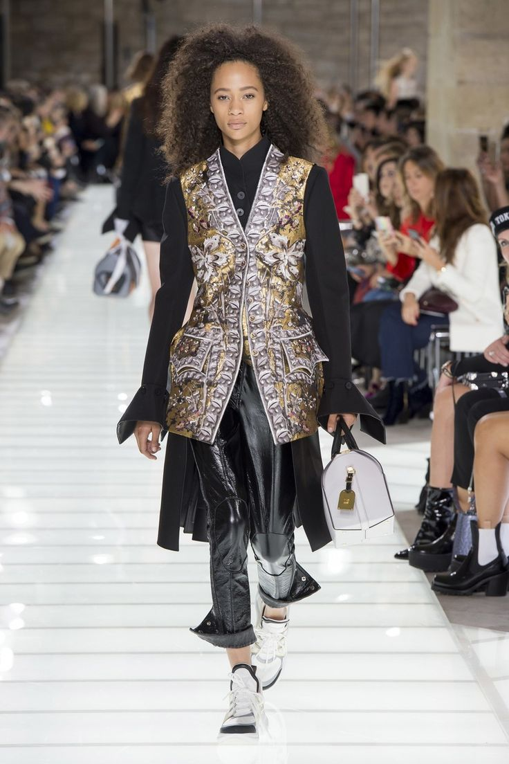 Louis Vuitton runway spring 2018 ready to wear