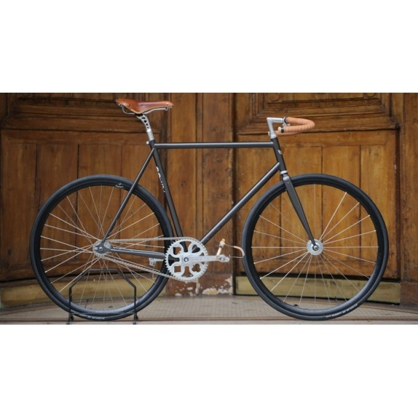 """The Moustache"" Retro-Modern Bike by Bicycle Store"