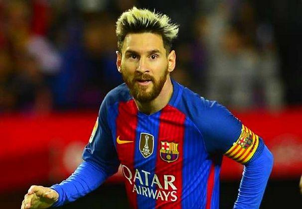 Messi Tutupi Tato Kaki Kirinya dengan Tinta Hitam