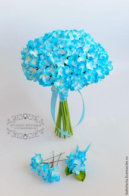 Букеты ручной работы. Букет невесты с голубой гортензей из полимерной глины…