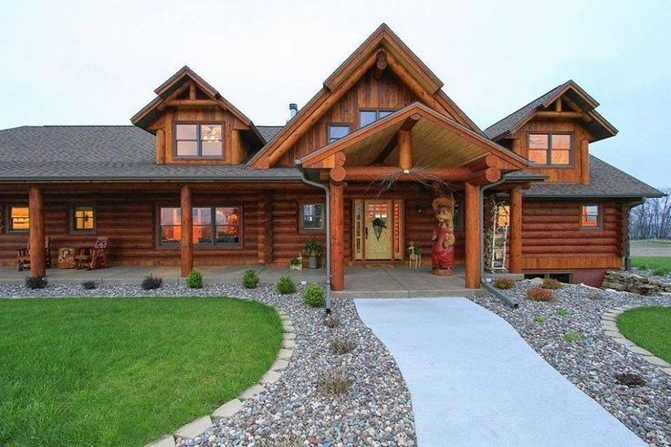 Starview Log Home manufactured by REAL LOG HOMES of Claremont NH.