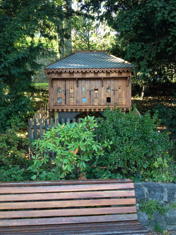 Bird house, Nyon, Suisse