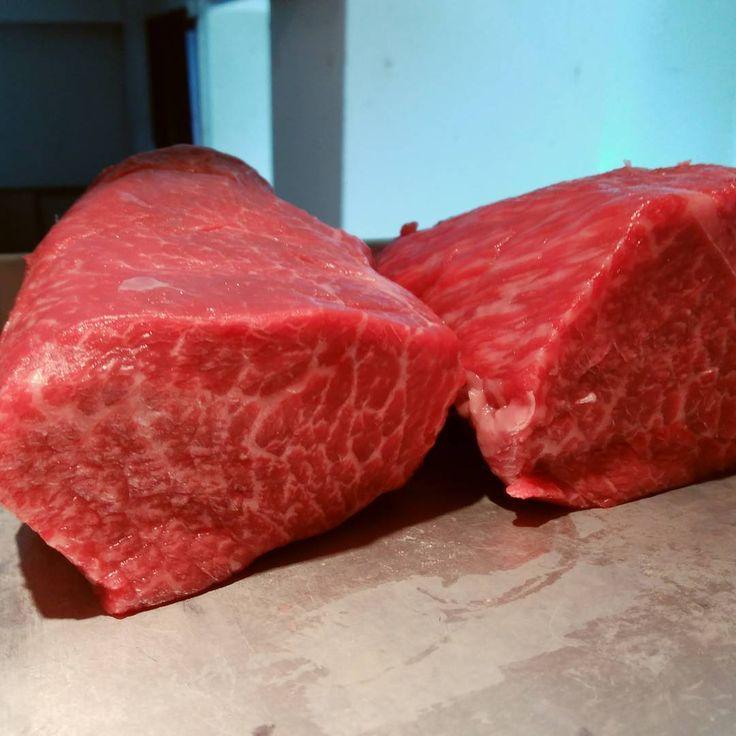 黒毛の最高峰、但馬牛。昆布〆焼きでご用意致しております。 #熟成肉 #きめこまかい #中目黒和食  #割烹 #washoku  #JapaneseCuisine http://w3food.com/ipost/1510769853782742794/?code=BT3VS14FtcK