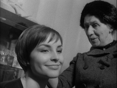 60's Fashion. Teresa Tuszyńska works as model.  Kulisy pokazów mody w latach 60-tych. Na wybiegu Teresa Tuszyńska [video] (REPOZYTORIUM CYFROWE FILMOTEKI NARODOWEJ) #repozytoriumcyfrowe, #fashion, #Tuszynska