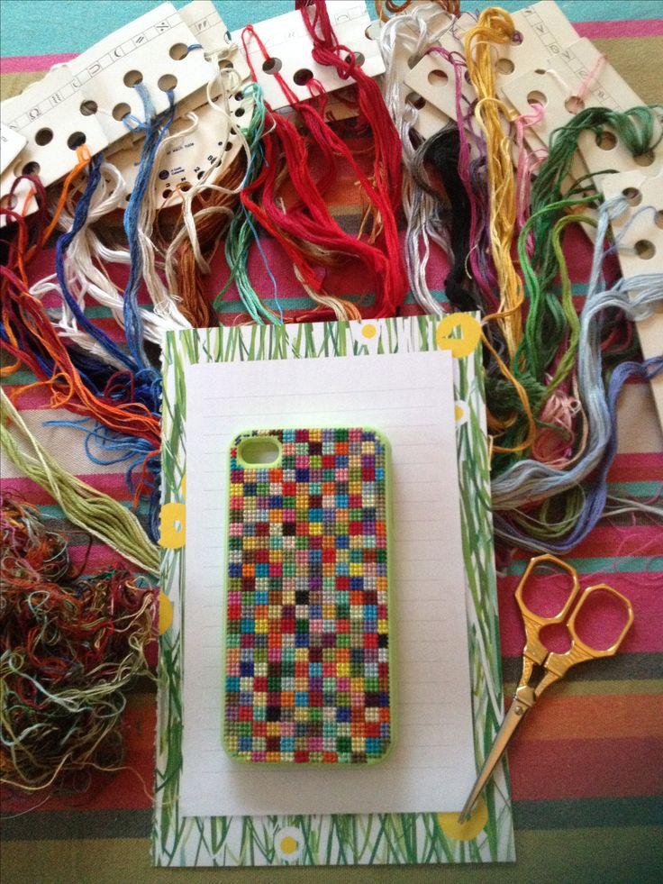 coque iphone brodée avec reste de fils