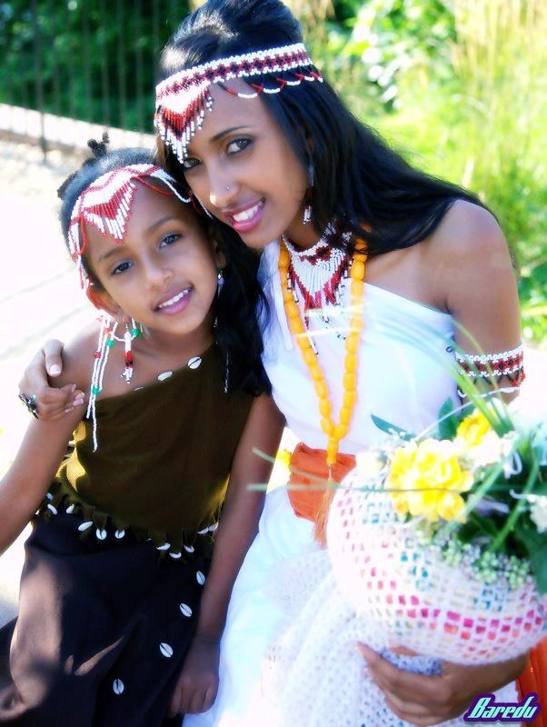 Oromo girls. The Great Royal Wife Nefertari may have looked like this, minus the non traditional permed hairstyle.