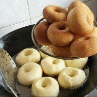 Это самые вкусные пончики из всех, что я пробовала. Рецепт очень простой – записывайте!