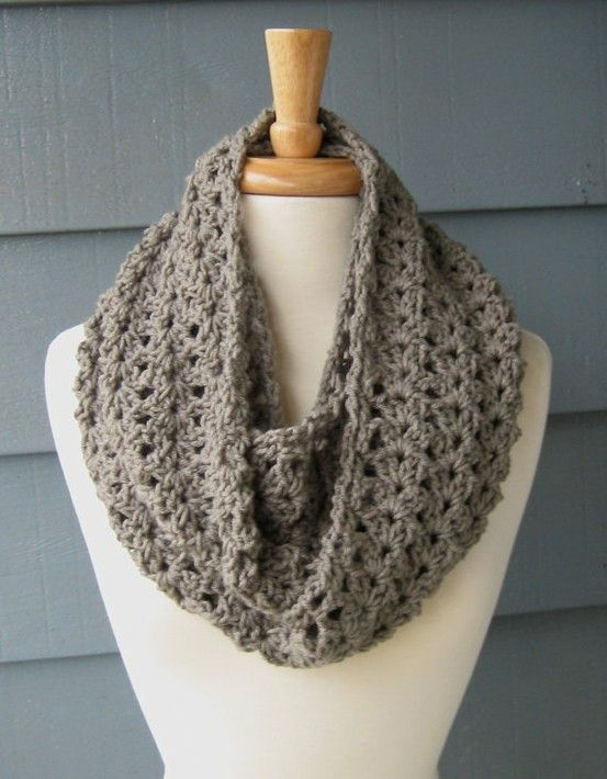 Crocheting Infinity Scarf : about Crochet Infinity Scarves on Pinterest Crochet infinity scarf ...