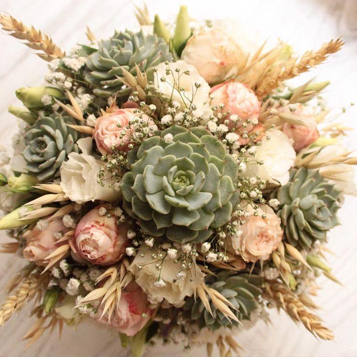 Düğününüzden kalacak en canlı hatıra  Sukulent gelin buketinizin bitkilerini düğünden sonra dikip büyütebilirsiniz. Fikir almak için info@terraquadesign.com adresinden bize ulaşın  #terraquadesign #sukulent #buket #wedding #düğün #sukulentgelinbuketi #bouquet #succulentbouquet #succulove #weddingbouquet #lovegreen #spring #istanbul #countrywedding #nikah #pastel #soft #colors