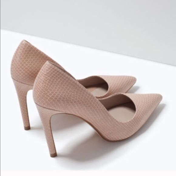 ZARA Snakeskin Nude Court Shoe Pumps Sz 40 9 Worn once. Sz 40. Great condition! Zara Shoes