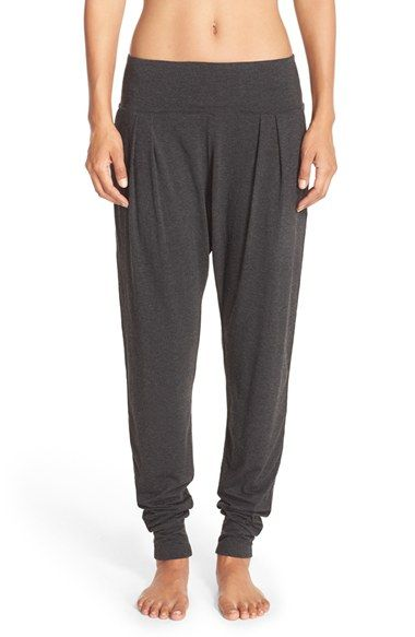Free shipping and returns on Zella 'Harmony' Harem Pants at Nordstrom.com. Designed to take you to the studio and beyond, these easygoing sweatpants feature a comfy, wide waistband, a relaxed harem silhouette and tapered ankle cuffs for a non-binding fit after intense workouts.