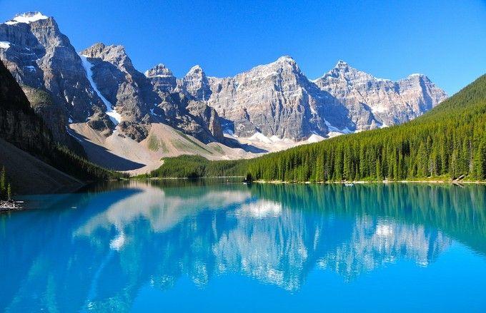 憧れの景色は、カナダにありました。世界で一番美しい湖と言われる「モレーン湖」 | RETRIP