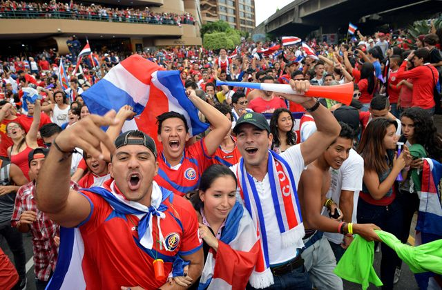 261e39d32 Football Crazy Costa Rica fans support their country in world cup ...
