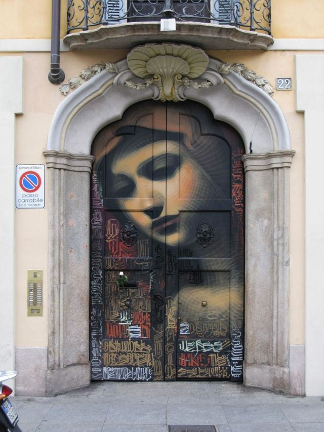 Not positive who the artist is, but it looks like el mac's work.