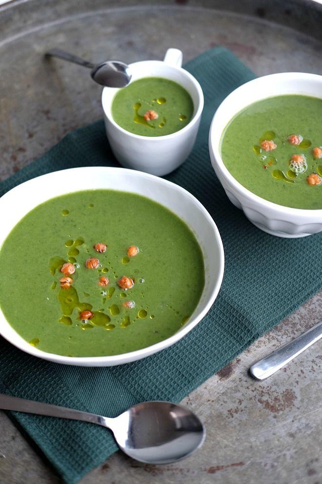 Spinazie soep met geroosterde kikkererwten
