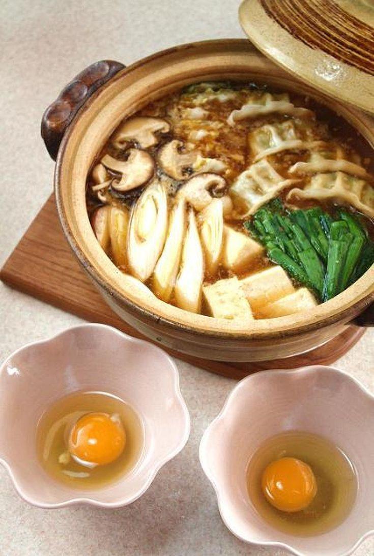 麻婆鍋 by 長岡美津恵akai-salad / ゆるめに仕上げた麻婆あんに豆腐、白菜、餃子などお好みの具を入れて楽しみましょう。〆は生ラーメンがおすすめです。とろみのついたスープが熱々なので、すき焼きのように溶き卵につけて頂くのがおすすめです。 / Nadia