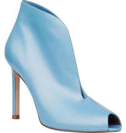 Стильные ботильоны небесно-голубого цвета на высоком каблуке. Модель с открытым носком