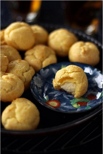 Kue Sus- 'choux pastry with custard filling' . It is very familiar in indonesia where you can found it available in every event as one of the snack item in the snack box.