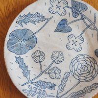 昔の絵本みたいな鹿児島 睦さんの絵を日常に。