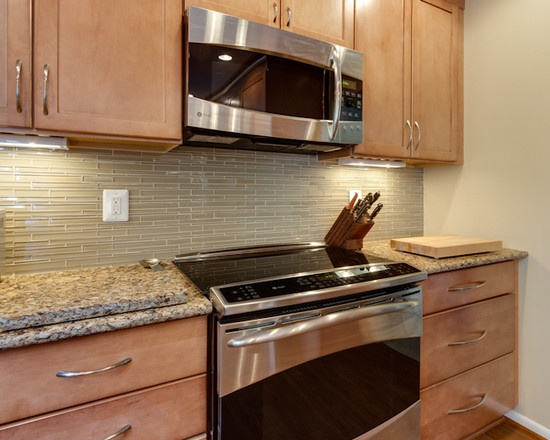 Great Kitchen Tile Backsplash to go with Maple Toffee ... on Backsplash Ideas For Maple Cabinets  id=44543